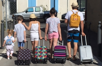 Travelling kids